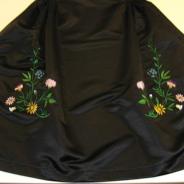 tablier alsacien traditionnel